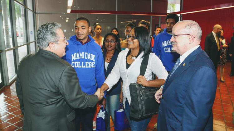 Cuban students arrive at MDC