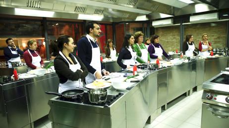 Students in a Città del Gusto class session