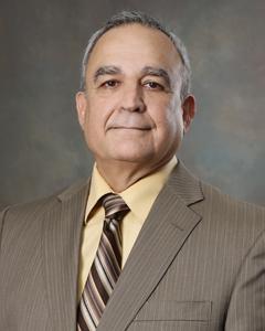 Portrait photo of Roberto Jose Cabezas
