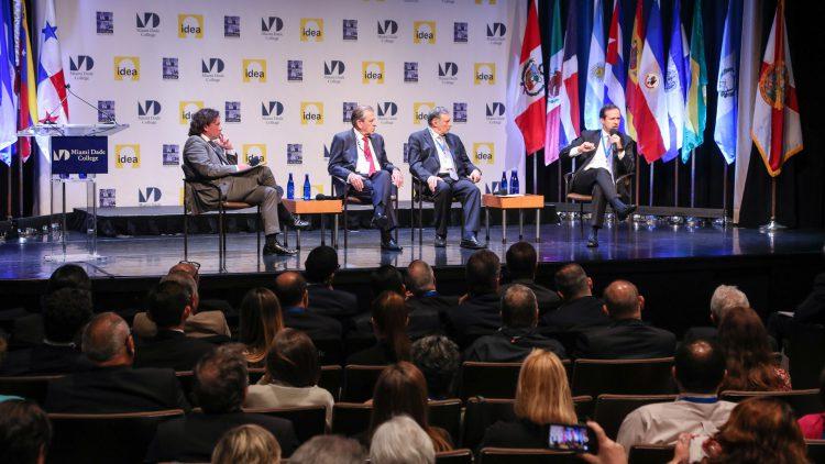 Discussion panel: Hassan Nassar, Eduardo Frei, Jamil Mahuad, Jorge Quiroga