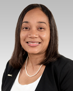 Portrait photo of Davia Hudson-Holness