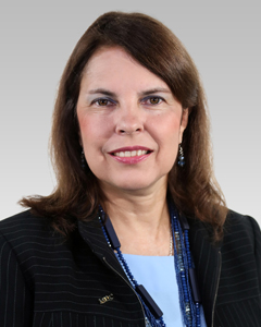 Portrait photo of Maria del Carmen Alvarez